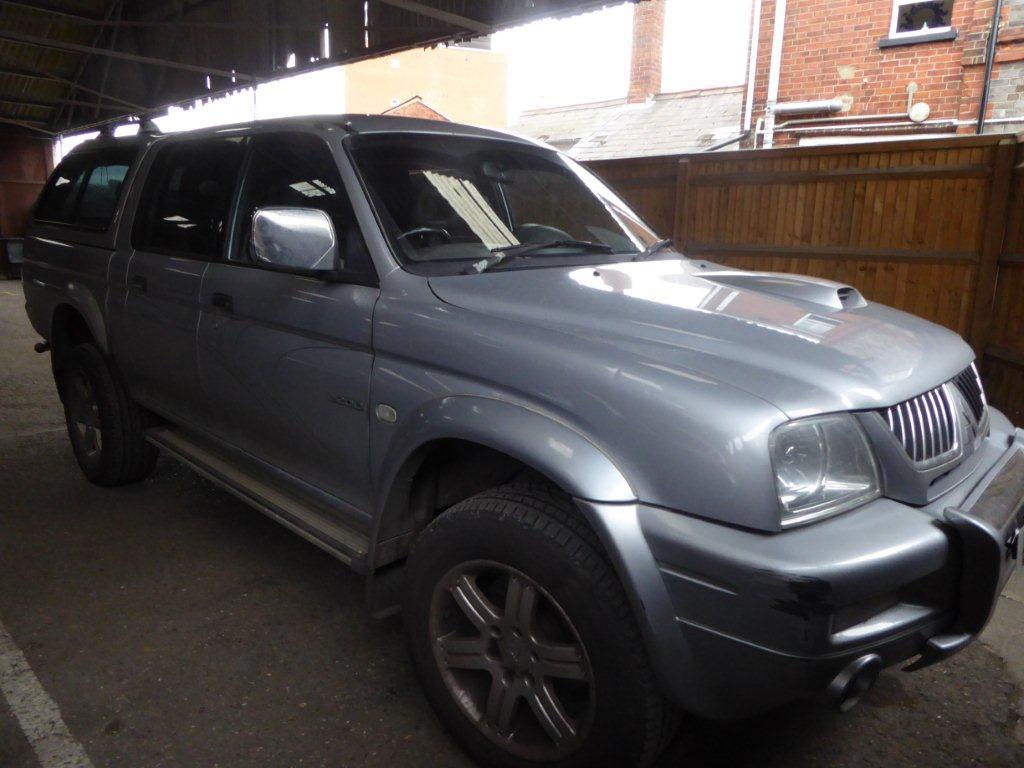 Lot 1501 (1) - 2005 Mitsubishi L200 Animal LWB 4WD pick-up, 2477cc, diesel, manual, silver, MOT expires 15th February 2018, 176,228 miles, V5, radio & keys available, registration no. OV05 ZHM