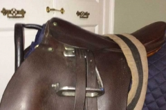 Lot 571 to 575 - Saddles (3)