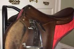 Lot 571 to 575 - Saddles (4)