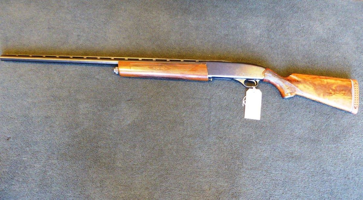 Winchester self-loading 12 bore shotgun (1)