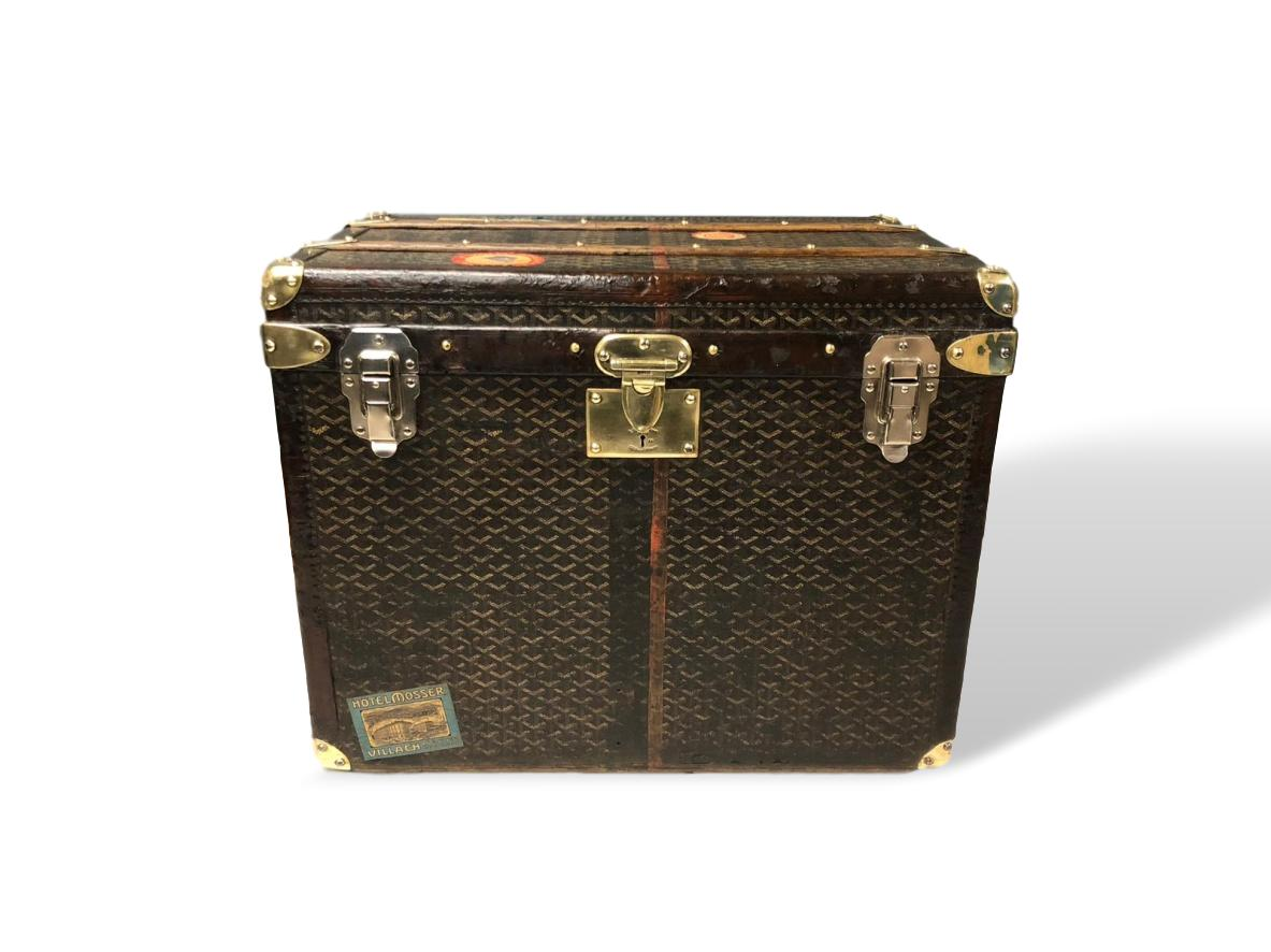 Lot 368 - Goyard trunk with leather trim & brass corners & handles