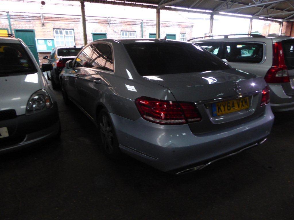 Lot 1501 - Mercedes E220