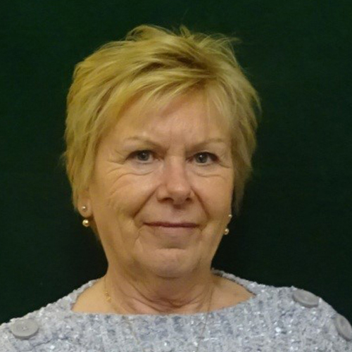 Lesley Dewar